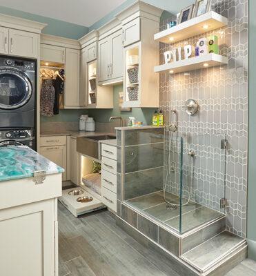 Wellborn MDF Laundry Pet Room KBIS19_SYB_MDF_GYMGTE2_72M