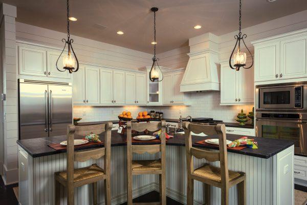 Wellborn Traditional Kitchen2 MRY_MPL_GLRPWT_18_300L